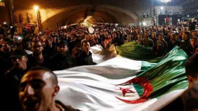 Photo of الجزائريون إلى الشارع مجددا للجمعة السابعة على التوالي