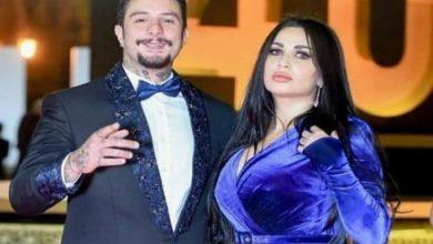 Photo of صورة رومانسية تجمع أحمد الفيشاوي بزوجته إحتفالاً بالذكرى الأولى لزواجهما