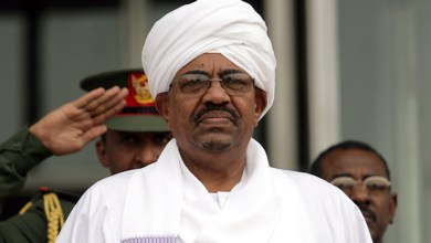 Photo of البشير تحت الإقامة الجبرية واعتقال أكثر من 100 شخصية سياسية وعسكرية