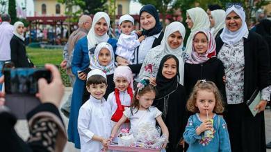 "Photo of بتقاليد عثمانية يقضي الأتراك ""عيد السكّر"""