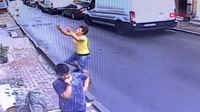 Photo of جزائري ينقذ طفلة سقطت من نافذة منزلها بإسطنبول (شاهد)