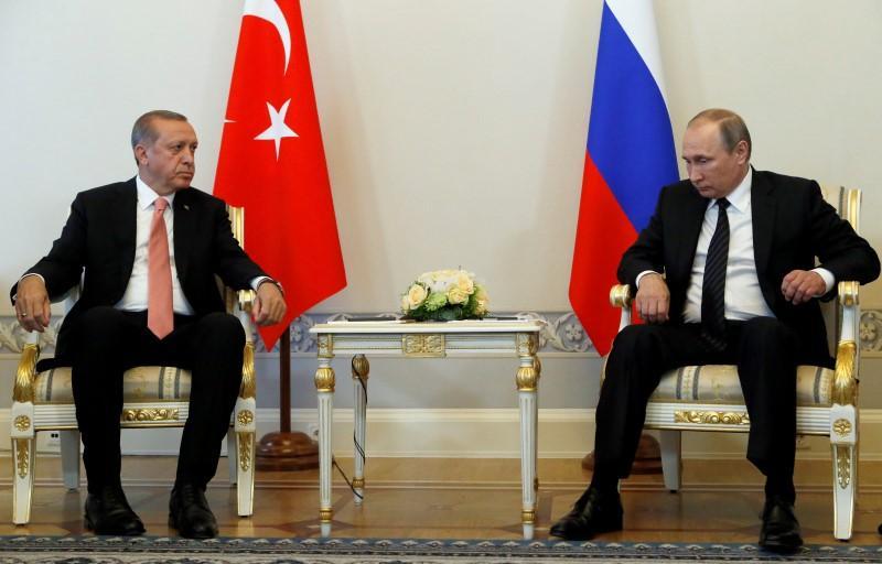 سقوط مراهنات واشنطن لتطويع الدور الروسي في سوريا