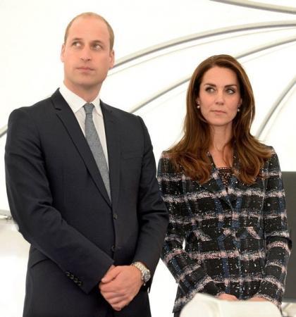 كيت ميدلتون دوقة كمبردج وزوجها الأمير وليام في مانشستر يوم 14 أكتوبر تشرين الأول 2016. صورة لرويترز من ممثل لوكالات الأنباء.