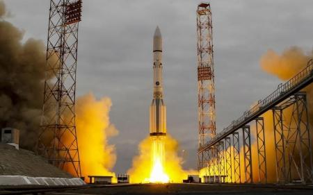 صاروخ يحمل مركبة الفضاء إكسومارس 2016 الى المريخ يطلق من منصة بقاعدة بايكونور في كازاخستان يوم 14 مارس آذار 2016. تصوير: شامل زوماتوف - رويترز.