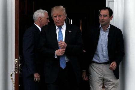 الرئيس الأمريكي المنتخب دونالد ترامب في مقر إقامته في نادي ترامب الوطني للجولف في بيدمينستر بولاية نيوجيرزي الأمريكية يوم 20 نوفمبر تشرين الثاني 2016. تصوير مايك سيجار - رويترز.
