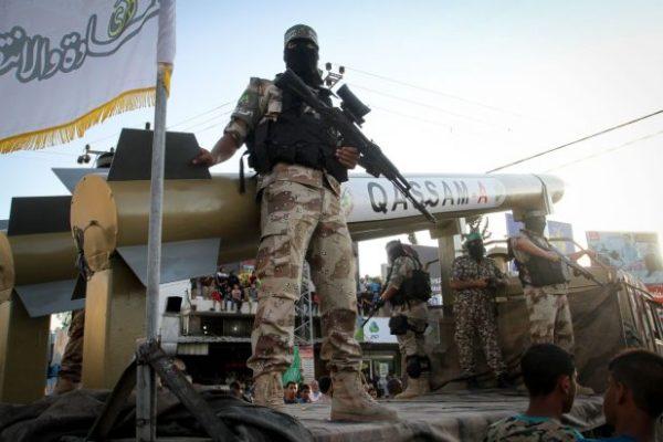 استعراض عسكري لكتائب عز الدين القسام، الجناح العسكري لحركة حماس