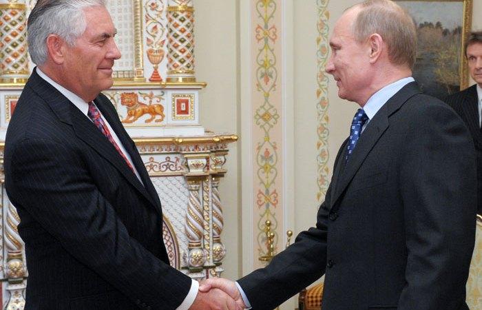 بوتين يبلغ تيلرسون أسباب تدهور العلاقات مع واشنطن