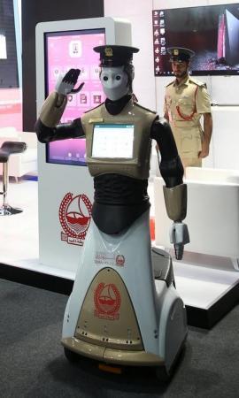 إنسان آلي ينضم إلى شرطة دبي