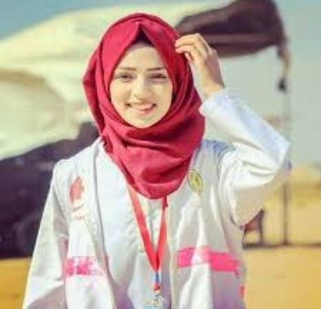 """نيويورك تايمز"""": مقتل رزان النجّار برصاص الجيش الإسرائيلي خلال """"مسيرات العودة"""" قد يكون جريمة حرب"""
