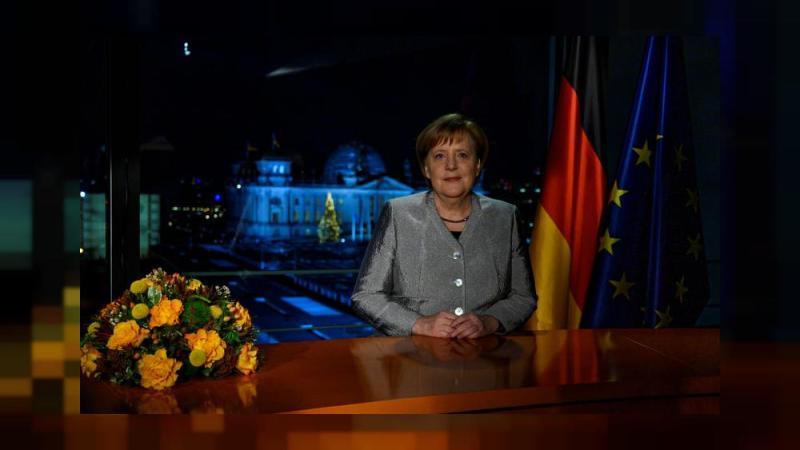 ميركل تحث الألمان على توحيد صفوفهم في 2019