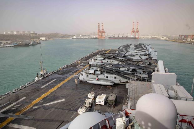 عُمان تمنح البحرية الأميركية حرية الوصول إلى ميناءين قرب مضيق هرمز