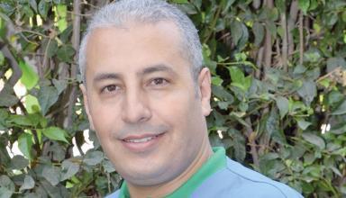 طبيب مغربي يشرّف بلاده بنيل جائزة عالمية