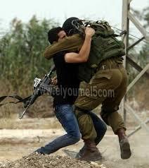 """يديعوت أحرونوت: على الجيش الإسرائيلي أن يثبت تحسّن أدائه القتالي في مواجهة """"حماس"""" بالأفعال وليس بالأقوال فقط"""
