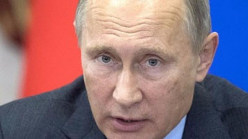 مصدر سياسي رفيع: الجانب الروسي ينظر إلى توجّه نتنياهو لتنظيم عقد لقاء أمني ثلاثي في القدس