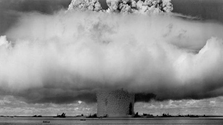 """""""فورين بوليسي"""": كارتر تستّر على تجربة نووية قامت بها إسرائيل مع نظام جنوب أفريقيا"""