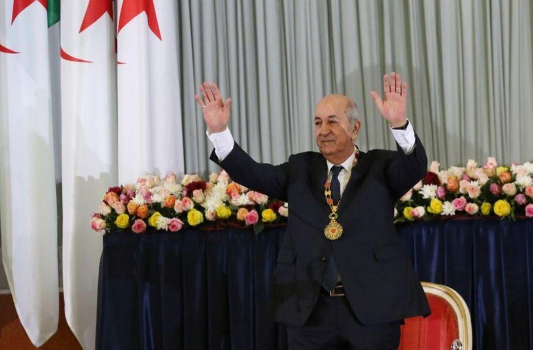 رئيس الجزائر يتعهد بتطوير موارد جديدة لتخفيف الأزمة الاقتصادية