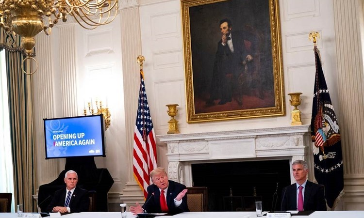 """""""أسوشيتد برس"""": هل سيؤدي إتلاف ترامب للسجلات إلى فجوة في التاريخ الأميركي؟"""