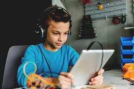 إنسان آلي يُطّور مهارات طلاب تكنولوجيا المعلومات في سوريا