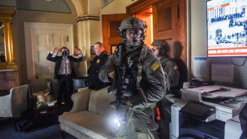 تحقيق أميركي في تمويل خارجي للمتطرفين الذين ساعدوا في هجوم الكابيتول