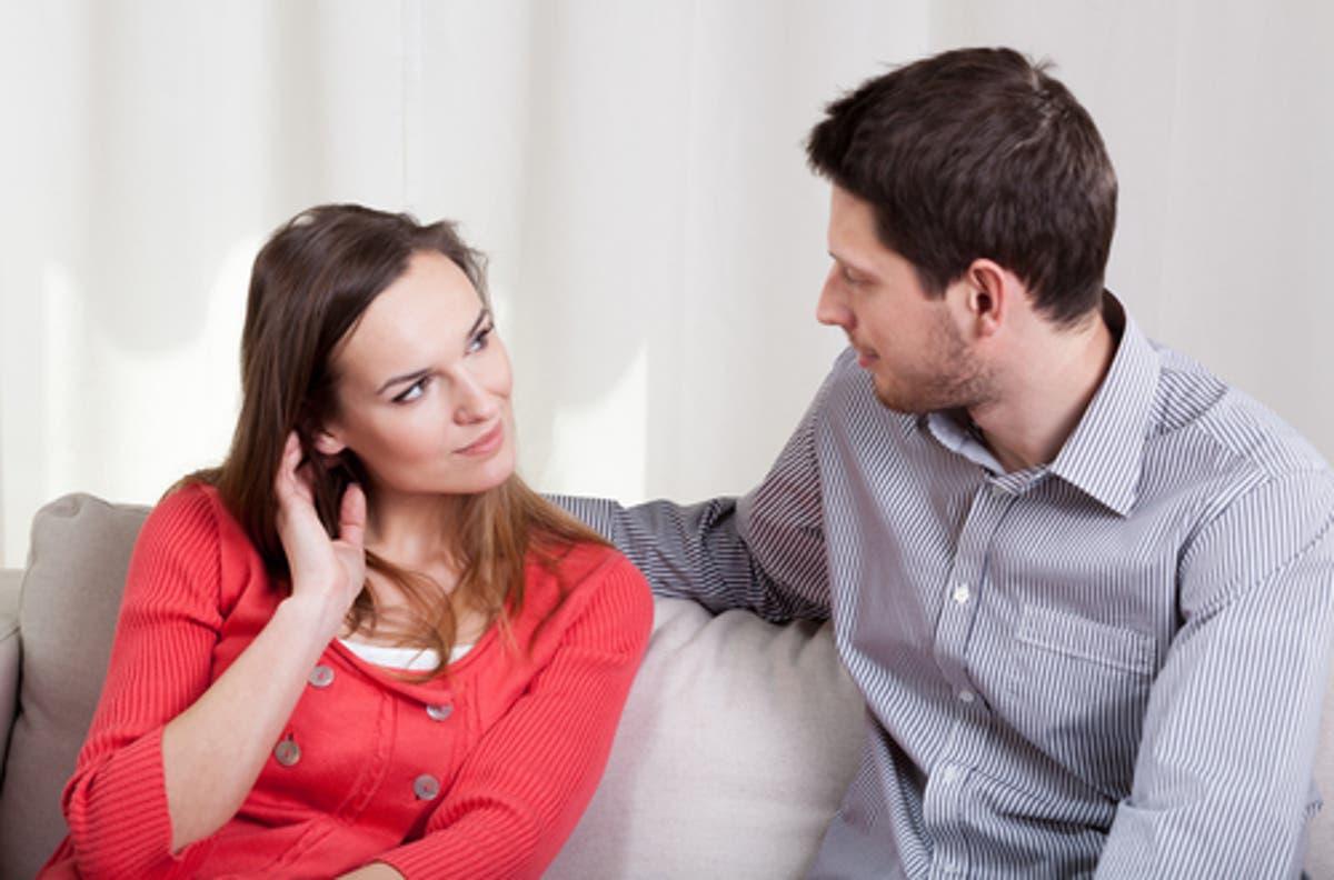 الرجل الشرقي يتساوى مع المرأة بالعقل، تسبقه هي بالعاطفة