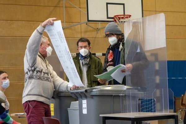 """نيويورك تايمز"": عام انتخابي حاسم في ألمانيا"
