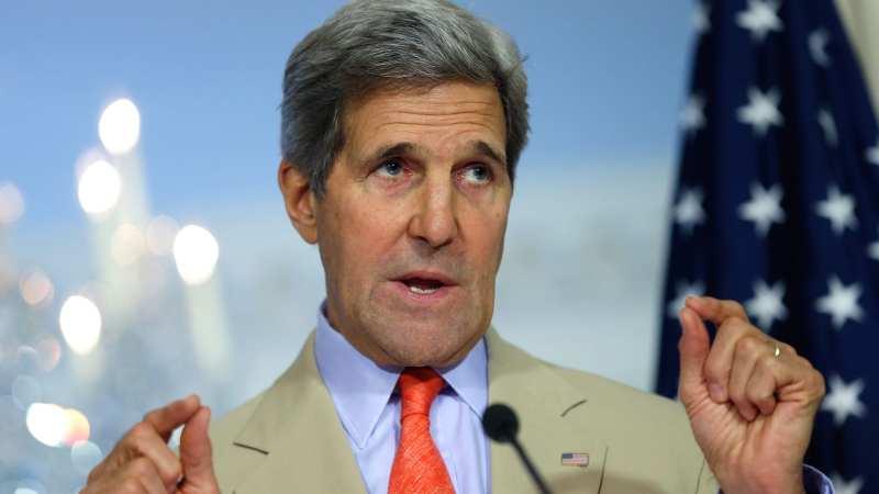 كيري ينفي إبلاغه ظريف بشأن غارات إسرائيلية ضد أهداف إيرانية بسوريا