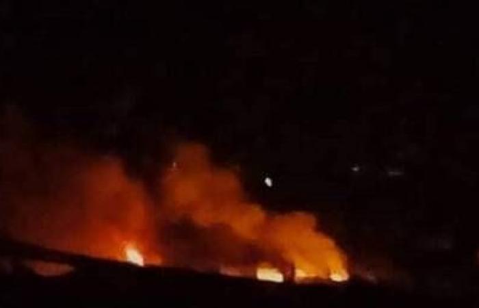 مقتل مدني سوري وإصابة 6 آخرين في غارات جوية إسرائيلية على مواقع في اللاذقية وحماة