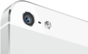 iPhone-5-white-camera-closeup-001