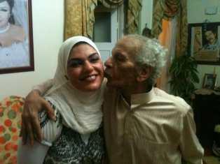 With his daughter, the journalist Nawara Negm.