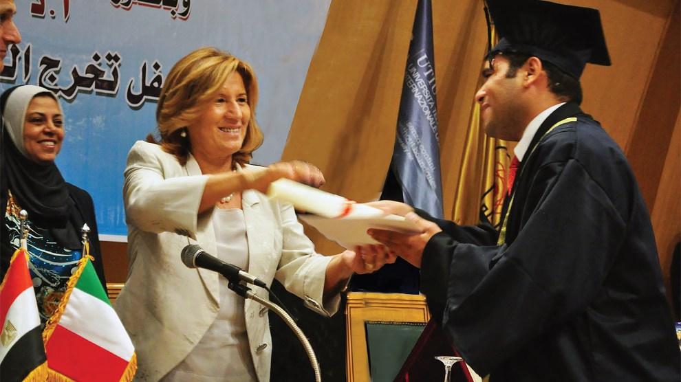 Rettore UNINETTUNO Anna Maria Garito con studenti arabi