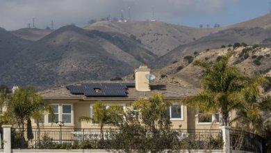 Photo of كاليفورنيا تصدر قرارا بإلزام المنازل الجديدة بالطاقة الشمسية