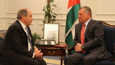 Photo of العاهل الأردني يلتقي رئيس وزرائه هاني الملقي مع توقعات بإقالته