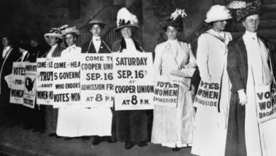 Photo of النساء في أميركا يحتفلن بيوم المساواة الذي منحهن حق التصويت