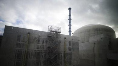Photo of بسبب موجة الحر … فرنسا تغلق أربعة من مفاعلاتها النووية