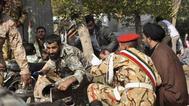 Photo of قتلى وجرحى في هجوم مسلح على عرض عسكري بالأهواز جنوب إيران