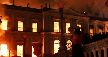 Photo of حريق ضخم في متحف البرازيل الوطني .. والخسائر التاريخية فادحة