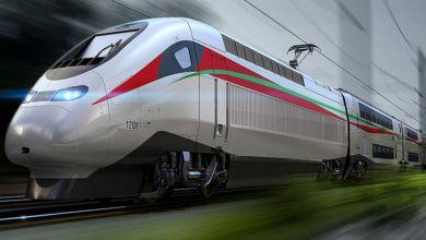 Photo of المغرب يدشن ( البُراق ) ..أسرع قطار في أفريقيا بحضور الرئيس الفرنسي