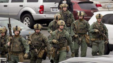 Photo of أنشودة عيد الميلاد تنهي مواجهة بين فريق القوات الخاصة ورجل مسلح