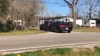 Photo of القبض على المتهم بقتل 5 من عائلته وعائلة صديقته في لويزيانا بعد فراره الى فيرجينيا