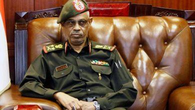 Photo of السودان – رئيس المجلس العسكري يتنحى بعد يوم واحد من تنصيبه