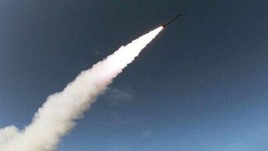 Photo of إسرائيل تستهدف سوريا بصاروخ ولبنان بقنبلتين دخانيتين