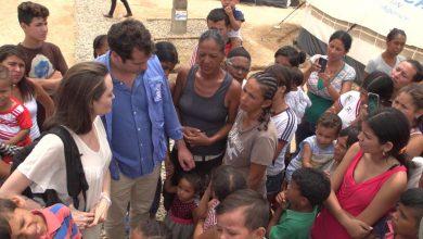 Photo of أنجلينا جولي تطالب بمساعدة أطفال فنزويلا
