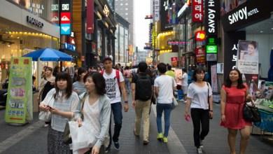 Photo of ثلثا الكوريين الجنوبيين يعتزمون مقاطعة اليابان