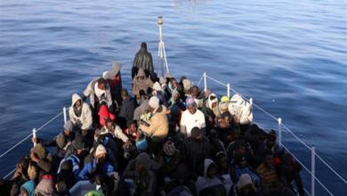 Photo of إيطاليا تمنع سفينة إغاثية تُقل مهاجرين من الرسو في موانئها