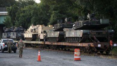 Photo of الجيش الأمريكي يطالب سكان واشنطن بعدم الذعر من وجود الدبابات