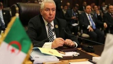 Photo of الرئيس الجزائري يطلق مبادرة سياسية جديدة للخروج من الأزمة