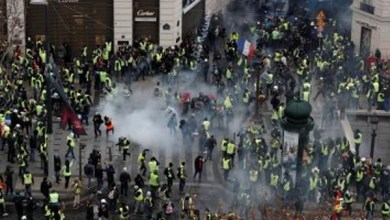 Photo of فرنسا : الشرطة تطلق الغاز المسيل للدموع على محتجين في يوم الباستيل