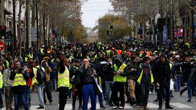 Photo of اشتباكات عنيفة بين الشرطة والمحتجين بمدينة نانت الفرنسية