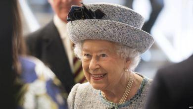 Photo of ملكة بريطانيا توافق على تعليق عمل البرلمان