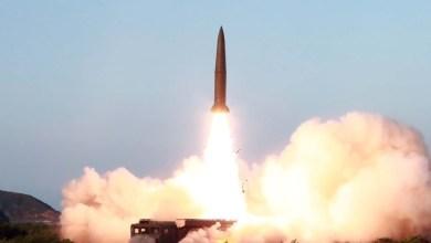 Photo of الزعيم الكوري الشمالي يشرف على تجربة منصة ضخمة لإطلاق الصواريخ